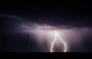 Silné bouřky budou postupovat z Moravy do Čech