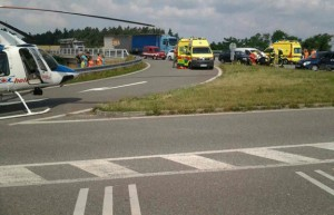 Při nehodě osobního vozidla a dodávky se zranilo pět lidí