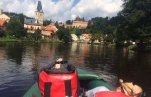 Vodácká sezona vrcholí, naše tipy při jízdě po Vltavě