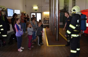 Netradiční návštěva na kladenské hasičské stanici
