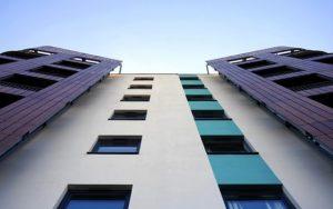 Počet zahájených bytů klesá, hlavně v Praze