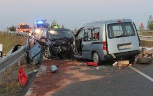 Dopravní nehoda na dálnici si vyžádala čtyři zraněné