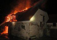 Noční požár zámku Plumlov zaměstnal 6 jednotekDosud nehodnoceno.