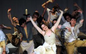 V Jihlavě vystoupí folklorní tanečníci