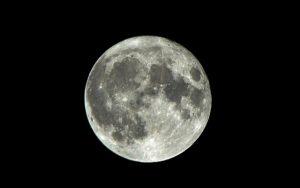 Sledují nás z Měsíce mimozemšťané?