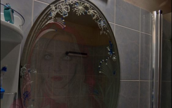 Mrtvá v zrcadle