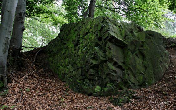 Průvodce tajemnem po Čechách – Ještěd a Čertova zeď