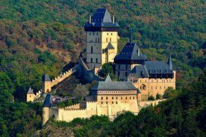 27. března před 662 lety byl otevřen královský hrad Karlštejn