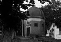 Průvodce tajemnem po Čechách – V hrobce se pohybovaly rakve. Může za to tajemný obraz s výjevem z pekla?Dosud nehodnoceno.
