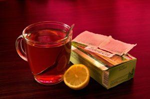 Čaj pijeme každý den. A známe jeho účinky?