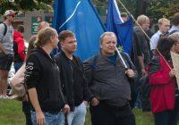 """""""Maršál Koněv nás obsadil a vytrhl z Evropské unie,"""" říká odpůrce pomníku. Lidé se shromáždili na obranu symbolu osvobození od nacismu.                                        5/5(2)"""